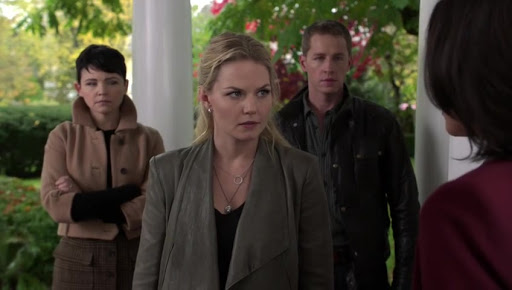 Emma, Snow and Charming confront Regina