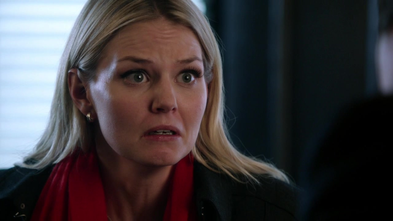 Emma is heartbroken, and wonders if anything with Neal was real