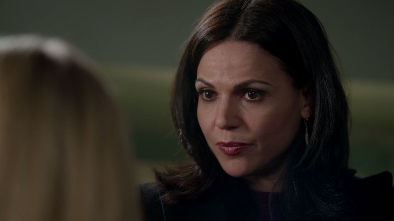 Regina (Lana Parrilla) asks Emma to come with her to New York